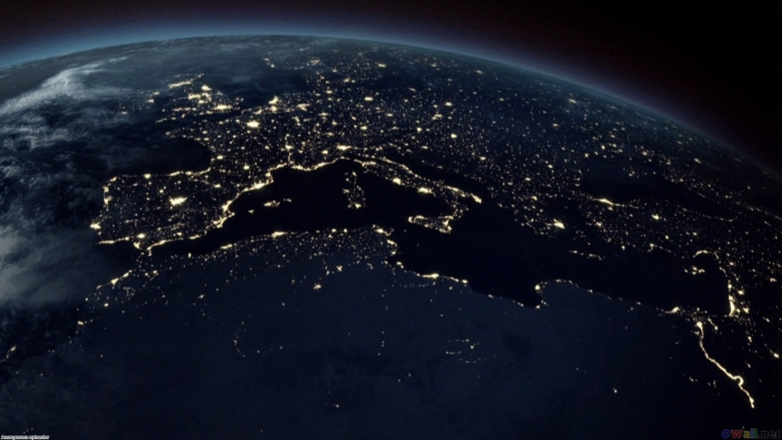 earth_from_space_at_night